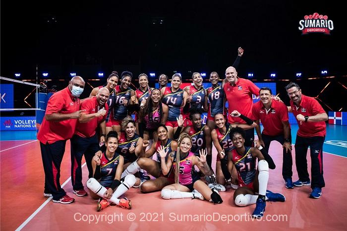 Martinez sisters guide Dominican victory over Netherlands